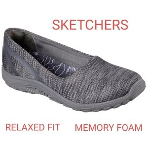 Sketchers Relaxed Fit Memory Foam Slip-ons sz 9.5